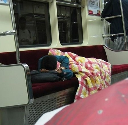 ▽電車での対面パンチラ▼18両目 [無断転載禁止]©bbspink.comYouTube動画>2本 ->画像>373枚